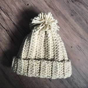 • Neutral Knit Hat •